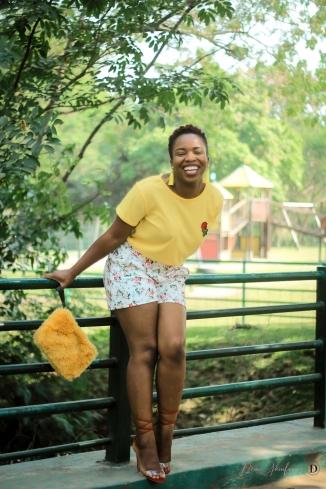 demi akin abuja blogger yellow t-shirt and floral shorts-27
