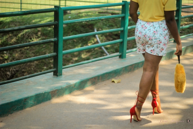 demi akin abuja blogger yellow t-shirt and floral shorts-29