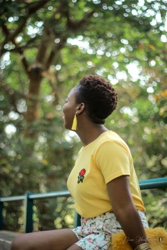 demi akin abuja blogger yellow t-shirt and floral shorts-9